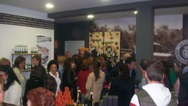 La Chinata inaugura oficialmente sus nuevas oleotecas madrileñas
