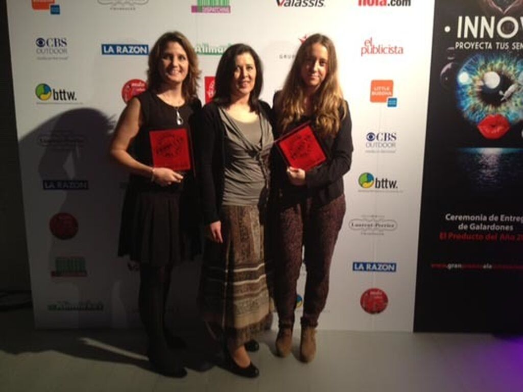 Arantza Jiménez, Natalia Sánchez y Paz López, de Procter & Gamble. Premios a Repara y Protege de Pantene y Serum 7 Lift de Boots