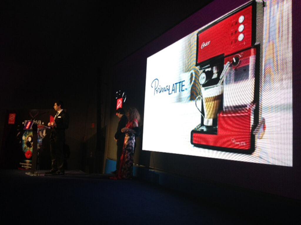 M. Ángel Navas, director comercial de Jarden C.S. Premio a la cafetera Oster Prima Latte (Pequeños Electrodomésticos de Cocina)
