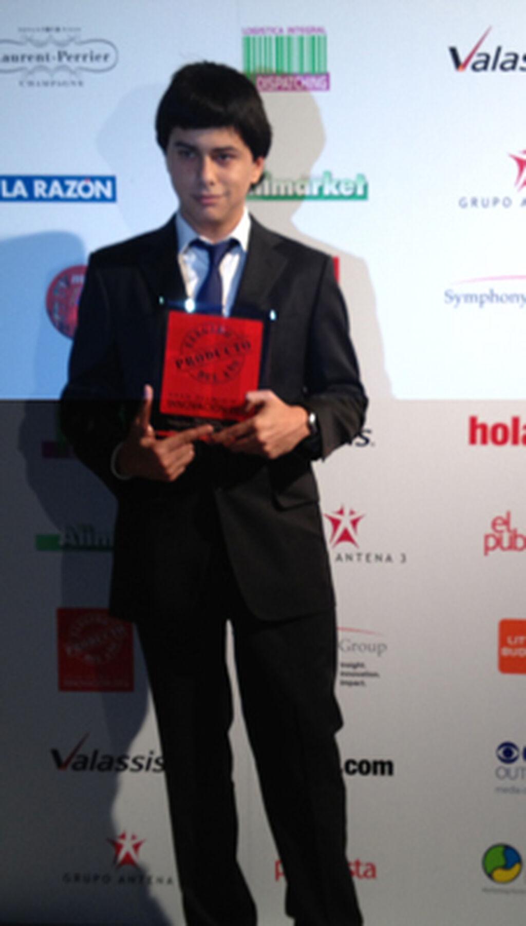 Sergio Schmidt Pérez, Assistant PM de Evax (Arbora & Ausonia). Premio a Evax Cottonlike con Perlas Activas (Higiene Íntima)