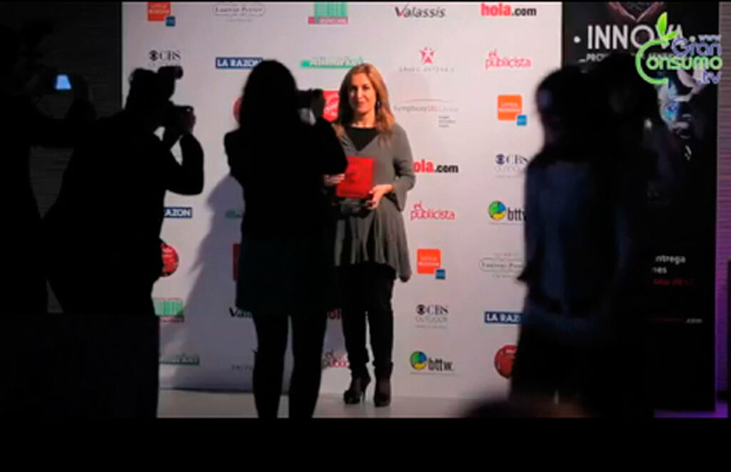 Ángela Venegas, directora de Marketing y Trade de The Colomer Group. Premio a Orofluido Colour Elixir (Coloración Profesional)