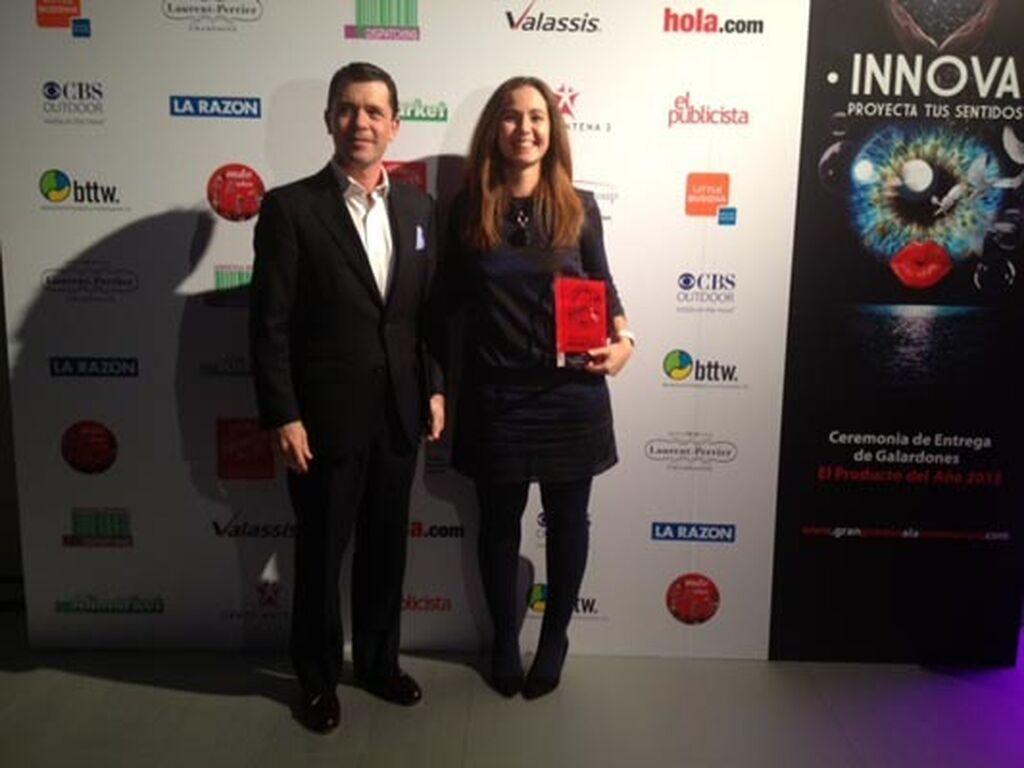 Paul Victoria y Eva Díaz, de Sensodyne (GlaxoSmithKline). Premio a Sensodyne Repair & Protect