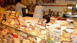 Los hogares españoles gastan en queso unos 56 € por persona y año