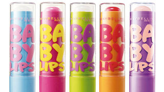 Maybelline introduce una gama de bálsamos labiales