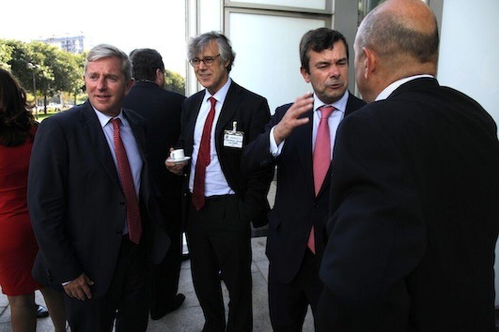 José Luis Gutiérrez, director Hipermercados Carrefour (izda.) En el centro, F. Javier La Calle (DIA)