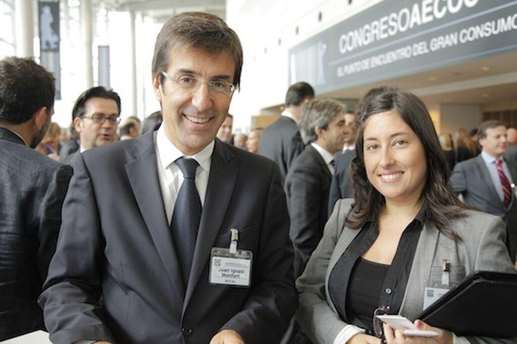 Juan Ignacio Monfort, director general de Copesco Sefrisa (Royal), con Mar Calderón (GranConsumo.tv)