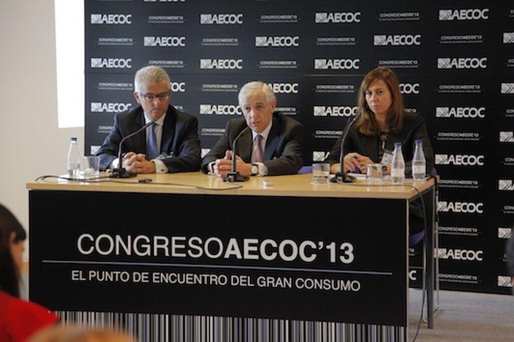 Josep María Bonmatí, Javier Campo y Nuria de Pedraza (Aecoc), en rueda de prensa