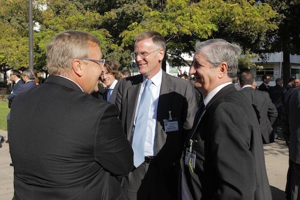 Josep Mª Lloreda (KH Lloreda), con José A. Boccherini (Instituto San Telmo), y Diego Carrión, director cial de Grupo Nutrexpa
