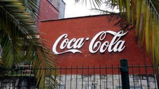 Atacan con cócteles molotov la planta madrileña de Coca-Cola