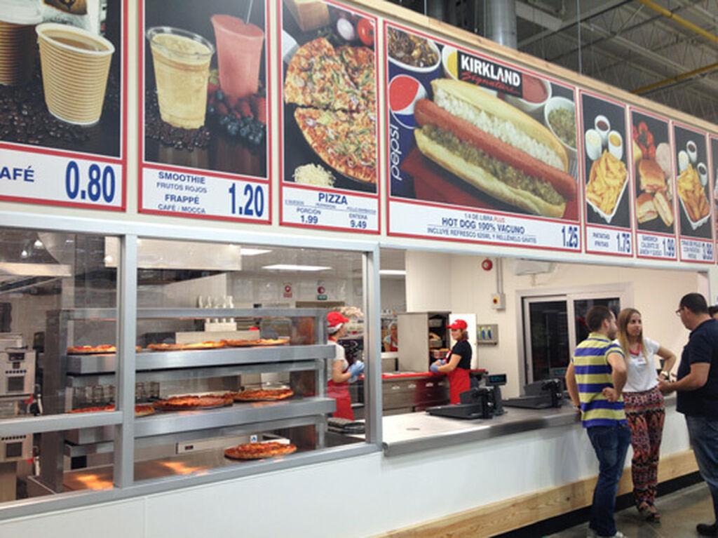Pizzas, smoothies, perritos... grandes ofertas para que los clientes puedan comer algo rápido