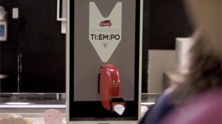 Campofrío convierte las esperas de sus clientes en horas de voluntariado