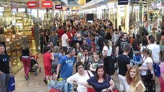 Noche de compras gratis para fomentar el consumo