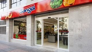 Sangüi invertirá seis millones en renovar sus supermercados