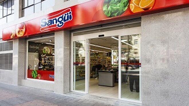 Sangüi cumple 100 años y lo celebra con sus empleados