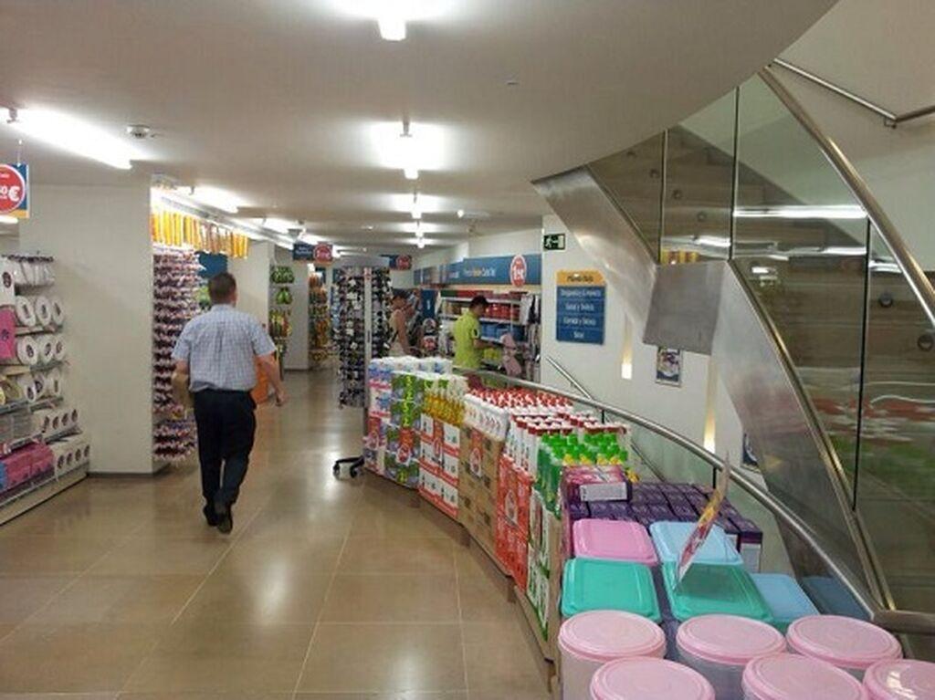 El cliente puede encontrar también productos de limpieza para el hogar en Dealz