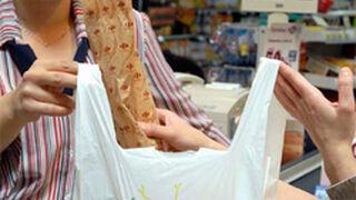 Los comercios podrán ofrecer bolsas de plástico gratuitas hasta 2018