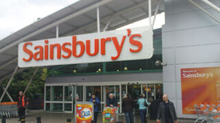 Sainsbury's registra su quinta caída trimestral consecutiva