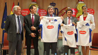 Carbonell elige a Carolina Marín como embajadora de su aceite