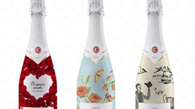 Anna de Codorníu personaliza sus botellas de cava