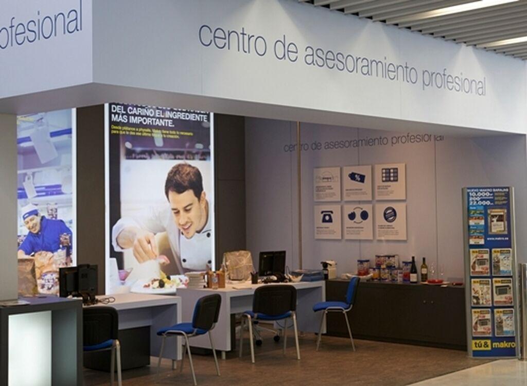 Makro Barajas cuenta con un Centro de asesoramiento profesional que proporciona al cliente mayor atención y servicio