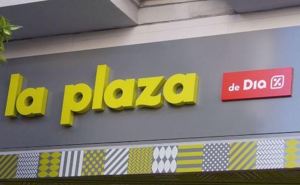 Imagen corporativa de 'La Plaza' de Dia. El diseño está realizado en tonos madera, gris y verde