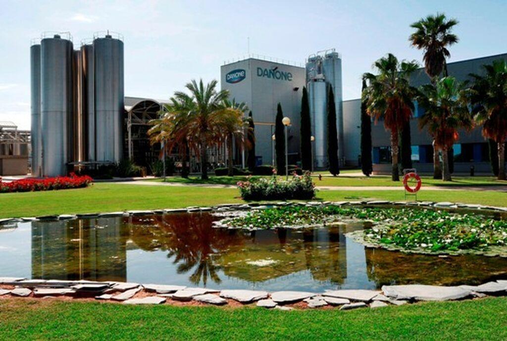 Entorno de la fábrica Danone en Valencia. Tiene una superficie de 50.000 metros cuadrados construidos