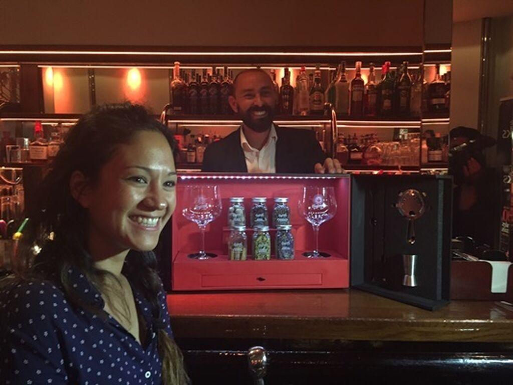 Iris Palacios, directora de Marketing de Casalbor, fue la ganadora del pack de Regional Co que se sorteó durante el acto
