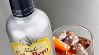 Ponche Caballero estrena botella en su 185 aniversario