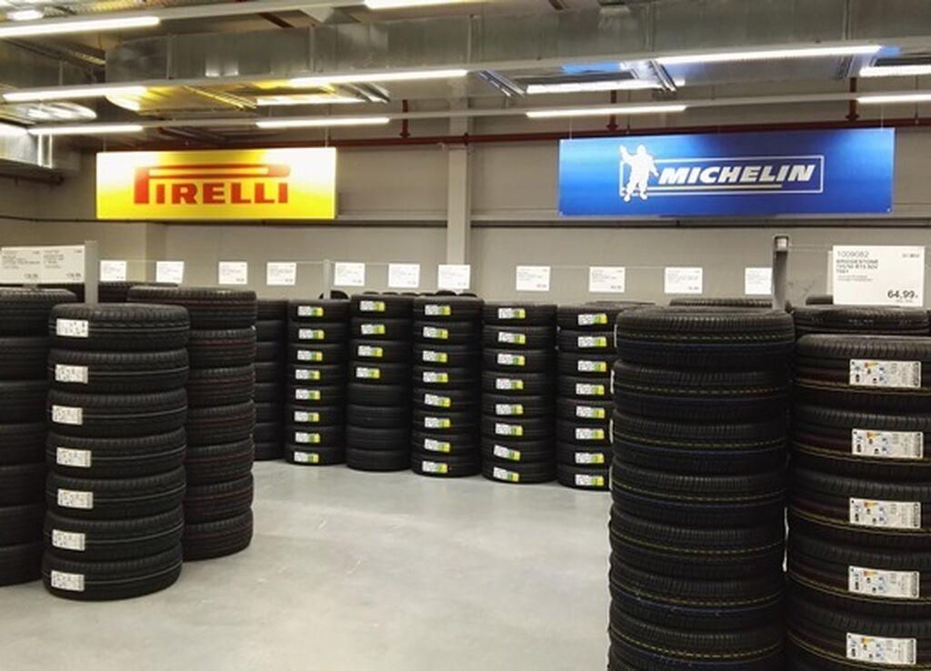 Área de neumáticos