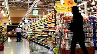 La guerra comercial en gran consumo mantiene los precios a la baja