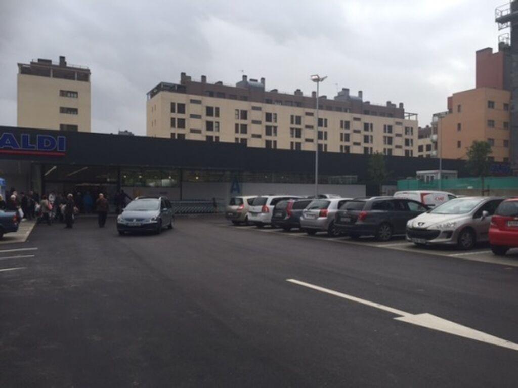 El establecimiento cuenta con 68 plazas de aparcamiento