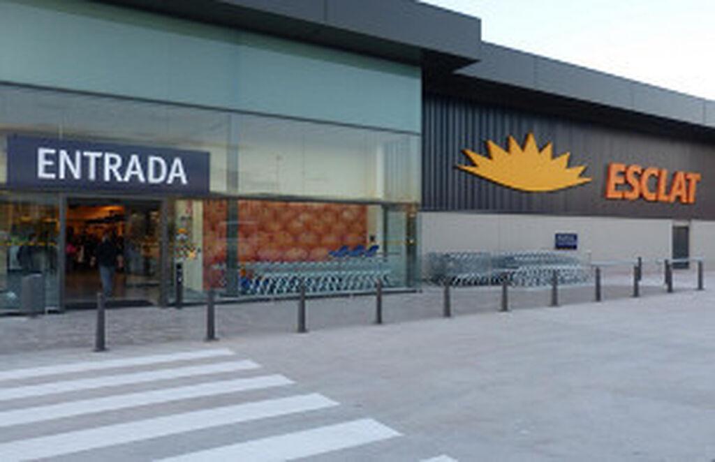 Bon preu invertir 9 millones en abrir un esclat en el for Centro de sabadell