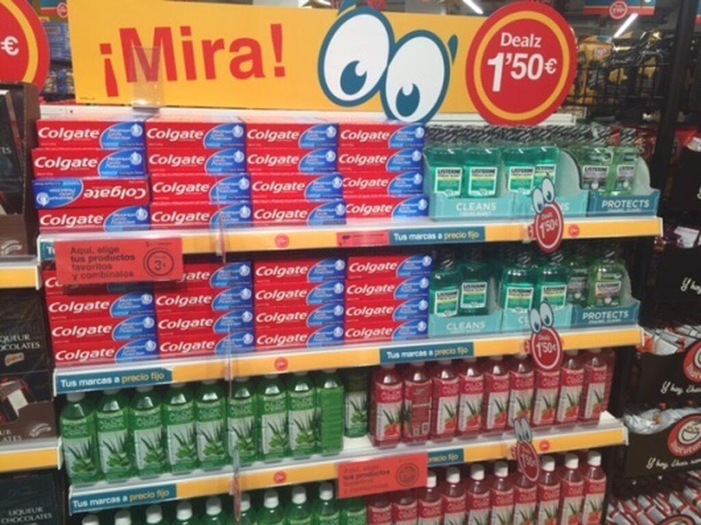 Colutorios y otros productos de higiene bucal, destacados a la entrada