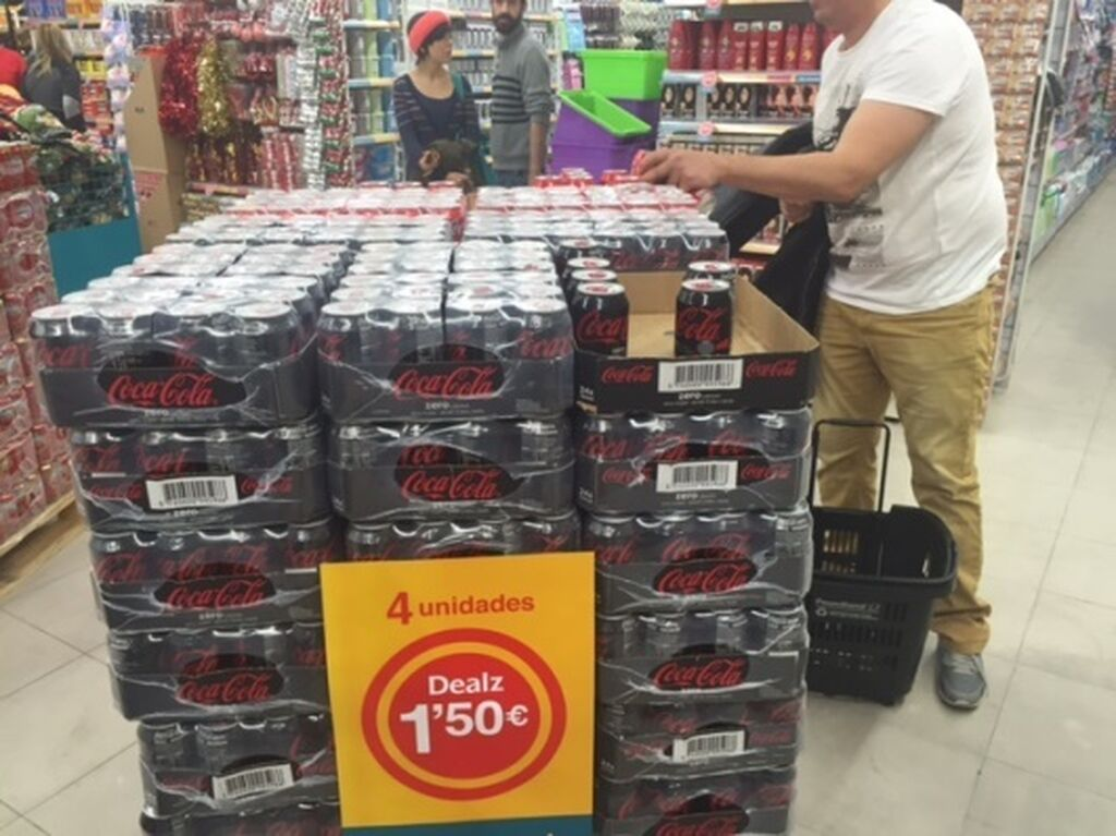 Una de las ofertas estrella en Dealz: 4 latas de refresco por 1,50 euros