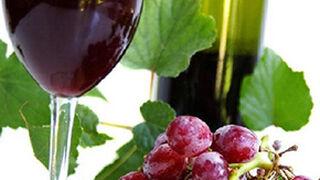 El vino, el aceite de oliva y las aceitunas son productos clave para España