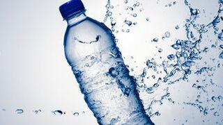 Francia consume ya más agua embotellada que refrescos