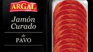 Argal promociona a lo grande su primer jamón curado de pavo