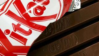 Una joven demanda a Nestlé tras comprar ocho Kit Kat sin galleta
