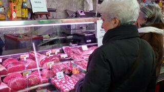 El consumidor empieza a huir de la crisis y a gastar más en calidad