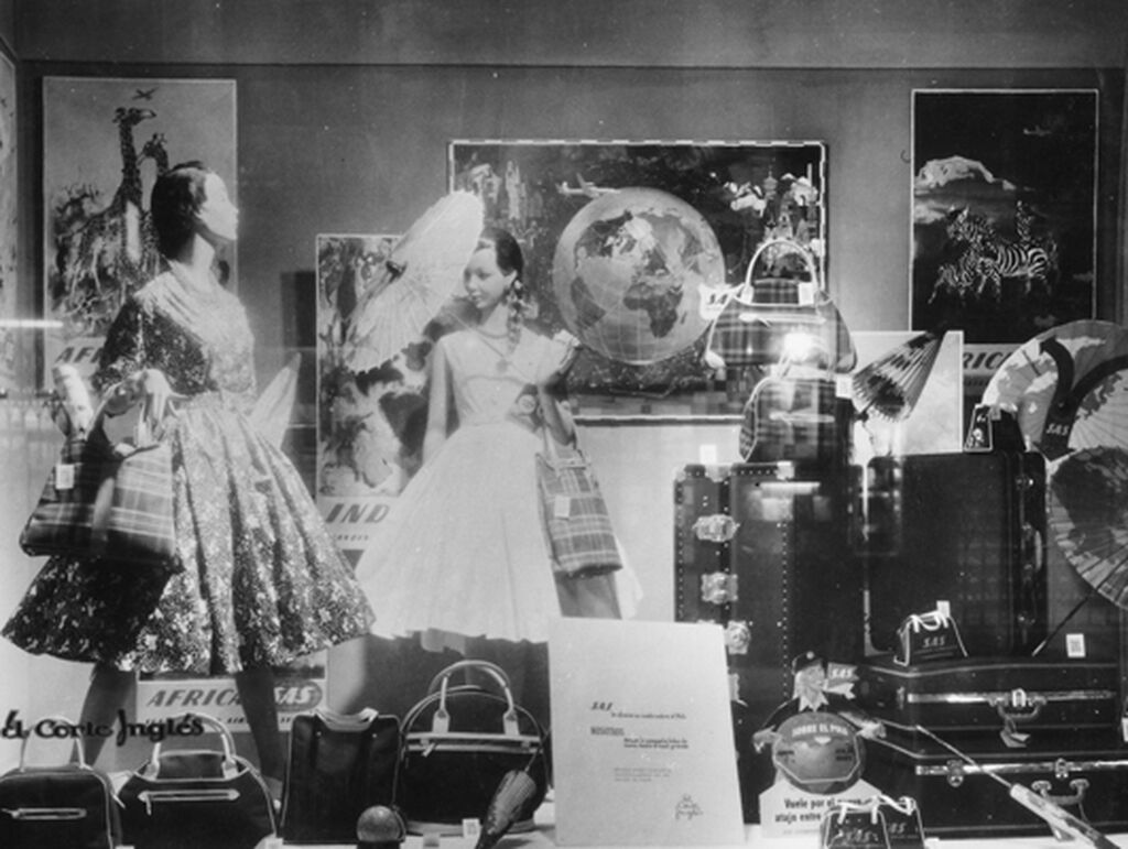 Imagen de un escaparete de textil de El Corte Inglés