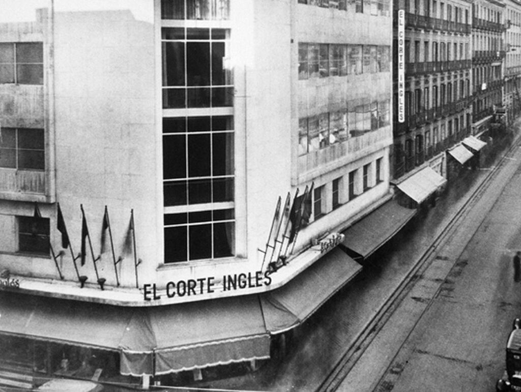 Imagen de una tienda de El Corte Inglés en 1955