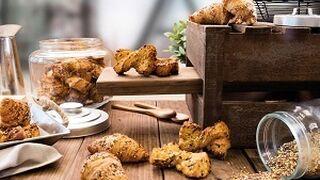 Croissant y lacito, la nueva bollería multicereal de Berlys