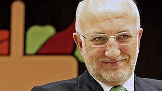 Juan Roig repite como líder más reputado de España