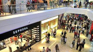 La afluencia a centros comerciales creció ligeramente en julio