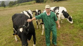 Los ganaderos se enfrentan a Lactalis por el precio de la leche