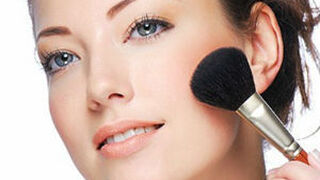 El gasto en maquillaje continúa cayendo en España