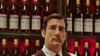 El actor Clive Owen protagoniza el Calendario Campari 2017