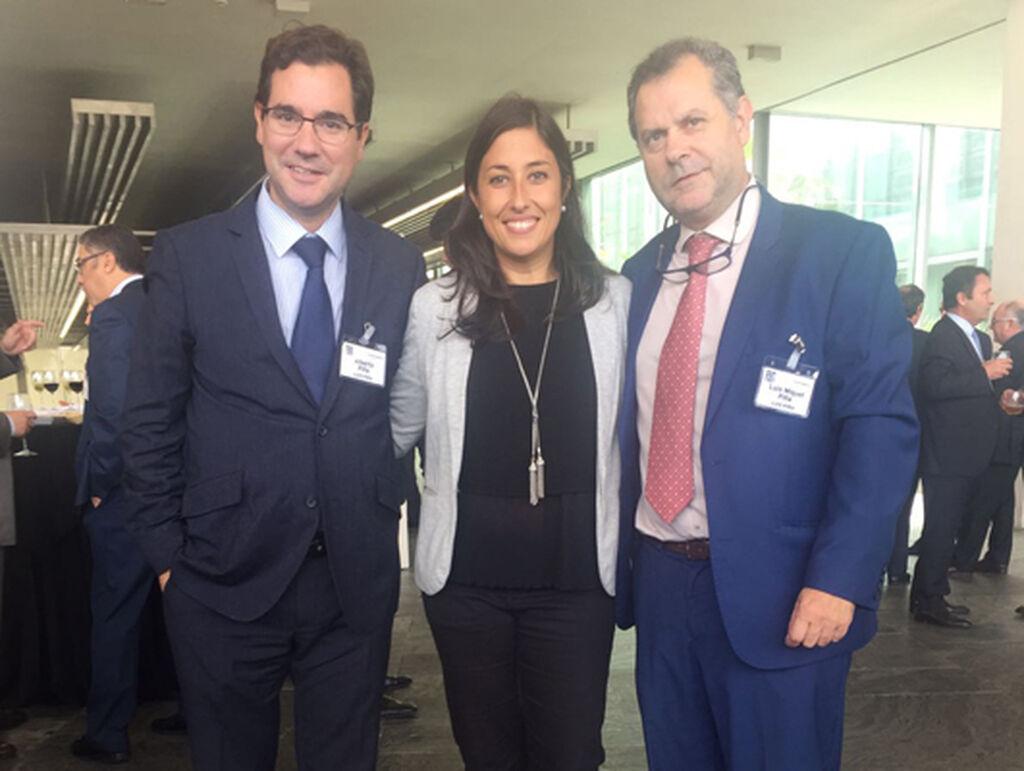 Alberto Piña y Luis Miguel Piña, junto a la directora de GranConsumoTv, Mar Calderón