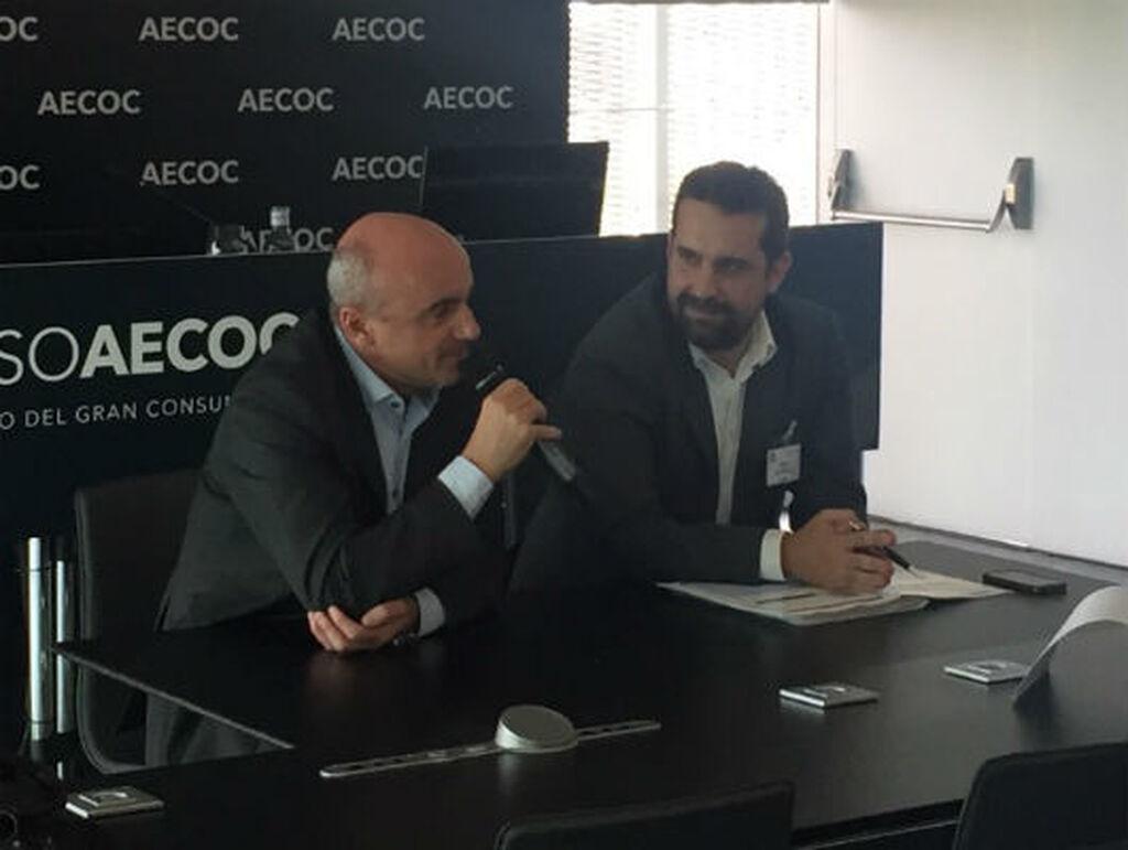 El director general de Lidl España, Michael Aranda (i), en rueda de prensa