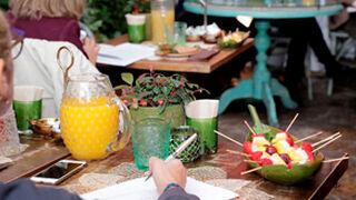 La fruta y los zumos, olvidados por los españoles en el desayuno